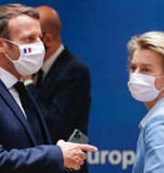 Frankrikes president Emmanuel Macron och EU-kommissionens ordförande Ursula von der Leyen samt Joe Biden.  TT