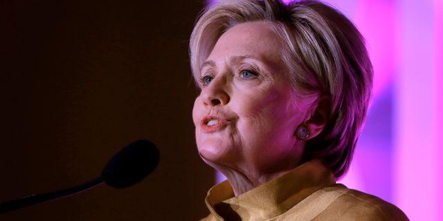Clinton under ett tal i Boston. Steven Senne / TT NYHETSBYRÅN/ NTB Scanpix