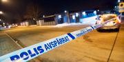 Polisens spärrade av ett område kring ett garage på Drottninghög i Helsingborg. Johan Nilsson/TT / TT NYHETSBYRÅN