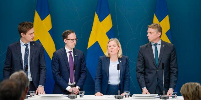 Samtliga januariarvtalets partier var med på dagens presskonferens. Janerik Henriksson/TT / TT NYHETSBYRÅN