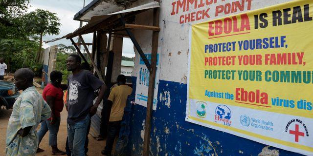 Kontrollstation i Liberia i samband med ebolautbrottet 2014. STRINGER / TT NYHETSBYRÅN