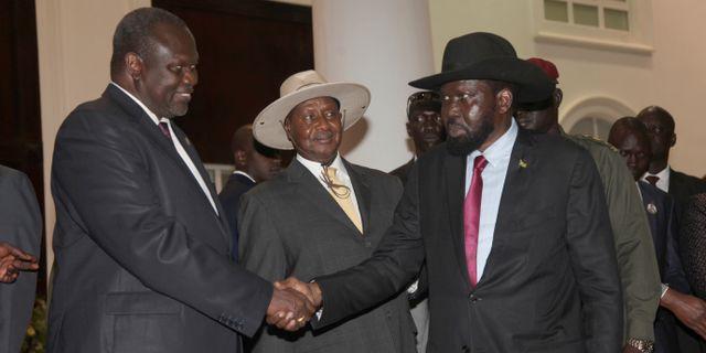 Riek Machar och Salva Kiir på plats i Sudan. Stephen Wandera / TT / NTB Scanpix