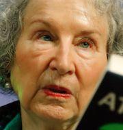 "Margaret Atwood/Scen ur serien ""The handmaid's tale"".  TT"