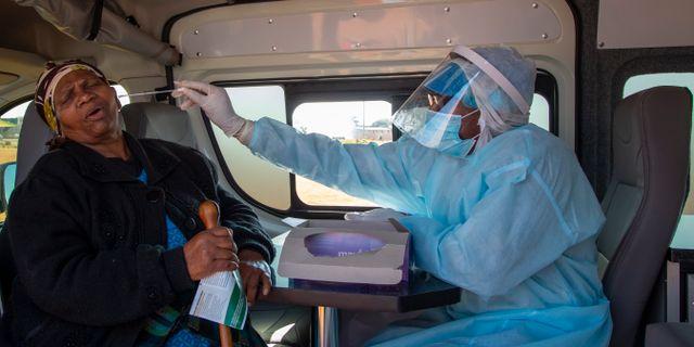 Virustest i Sydafrika. Arkivbild. Themba Hadebe / TT NYHETSBYRÅN