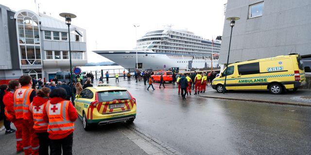 Kryssningsfartyget Viking Sky lägger i hamn. Svein Ove Ekornesvåg / TT NYHETSBYRÅN