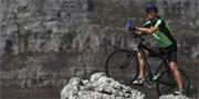 Cykelturister i tajta lycrabyxor väcker känslor på Nya Zeeland. Istock