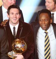 Messi och Pelé 2011. Michael Probst / TT NYHETSBYRÅN