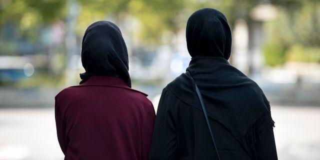 Arkivbild från 2016. Kvinnor med hijab.  Johansen, Carina / TT NYHETSBYRÅN