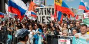Bild från dagens protester. Pavel Golovkin / TT NYHETSBYRÅN/ NTB Scanpix