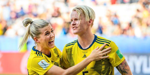 Olivia Schough och Nilla Fischer.  PETTER ARVIDSON / BILDBYRÅN