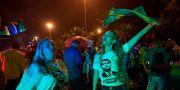 Jair Bolsonaros supportar jublar. CARL DE SOUZA / AFP