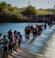Migranterna på floden Rio Grande. Marie D. De Jesús / TT NYHETSBYRÅN