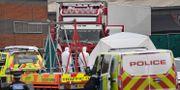 Stor polisinsats där lastbilen hittades. BEN STANSALL / AFP