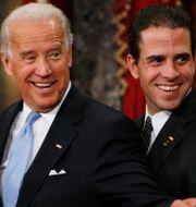 Joe Biden med sonen Hunter. Arkivbild. Charles Dharapak / TT NYHETSBYRÅN