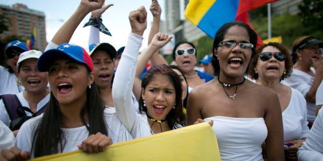 Kvinnor marscherade mot mord