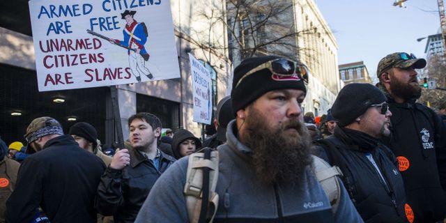 Demonstranter i Richmond. Zach Gibson / GETTY IMAGES NORTH AMERICA