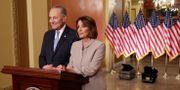 Nancy Pelosi och Chuck Schumer. CHIP SOMODEVILLA / GETTY IMAGES NORTH AMERICA