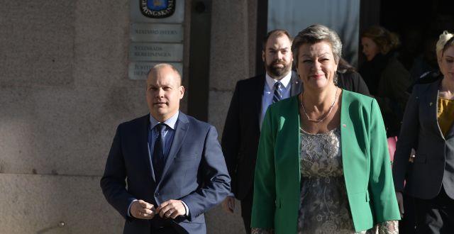 Migrationsminister Morgan Johansson (S) och etableringsminister Ylva Johansson (S). Anders Wiklund/TT / TT NYHETSBYRÅN