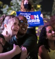 Anhängare till Joe Biden och Kamala Harris i Houston, Texas. Jon Shapley / TT NYHETSBYRÅN