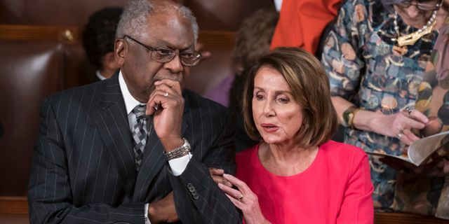James Clyburn och Nancy Pelosi. J. Scott Applewhite / TT NYHETSBYRÅN/ NTB Scanpix