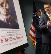 FBI om kuppen på en presskonferens 2013 innan belöningen dubblades.  Steven Senne / TT / NTB Scanpix