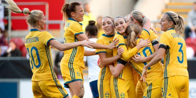 Sverige under gårdagens match mot England. Jessica Gow TT   TT NYHETSBYRÅN.  Uppladdningen inför fotbolls-VM dfd0779cf0140