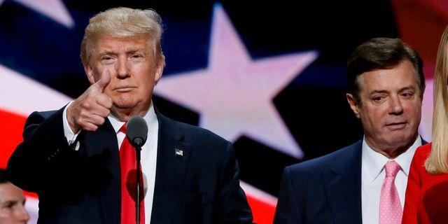 Arkivbild: Trumps tidigare kampanjchef Paul Manafort och den dåvarande presidentkandidaten Donald Trump. Rick Wilking / TT NYHETSBYRÅN