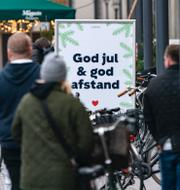 Katrin Stjernfeldt Jammeh och folk på Köpenhamns gator.  TT