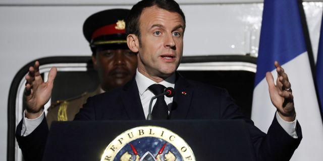 Macron lovar kraftfulla åtgärder mot Gula västarna - Omni 4682d6146acac