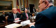 Donald Trump, John Kelly och Rudy Giuliani. BRENDAN SMIALOWSKI / AFP