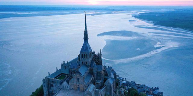 Populära turistmålet Le Mont-Saint-Michel i Normandie. DAMIEN MEYER / TT NYHETSBYRÅN