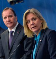Magdalena Andersson (S), Stefan Löfven (S) och Gustav Fridolin (MP). Jonas Ekströmer/TT / TT NYHETSBYRÅN