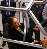 Kronprinsessan Victoria vid besök på Autoliv. Roger Lundsten / TT / TT NYHETSBYRÅN