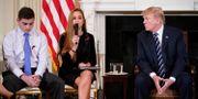 President Trump möter elever för att diskutera vapenrestriktioner. MANDEL NGAN / AFP