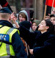 Motdemonstranter vid lördagens demonstration. Marcus Ericsson/TT / TT NYHETSBYRÅN