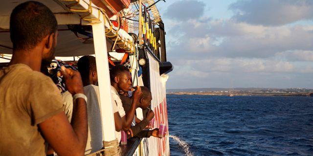Migranter på Open Arms Francisco Gentico / TT NYHETSBYRÅN/ NTB Scanpix