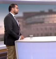Jimmie Åkesson och SVT:s programledare Nike Nylander. SVT