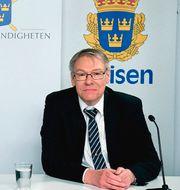 Spaningsledare Hans Melander och chefsåklagare Krister Petersson på pressträffen. Polisen / TT NYHETSBYRÅN