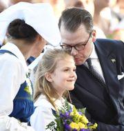 Kronprinsessan Victoria, prinsessan Estelle och prins Daniel under nationaldagsfirandet 2019. Henrik Montgomery/TT / TT NYHETSBYRÅN