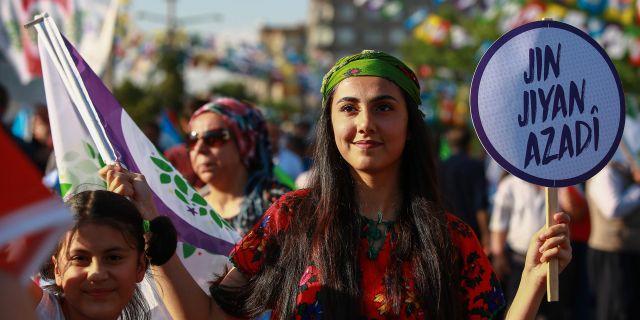 Anhängare av den fängslade presidentkandidaten Selahattin Demirtas. - / AFP