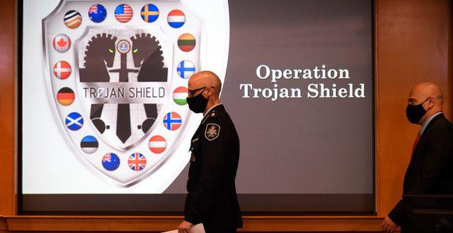 Amerikansk presskonferens om operation Trojan shield.  Denis Poroy / TT NYHETSBYRÅN