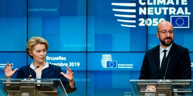 EU-kommissionens ordförande Ursula von der Leyen och Europeiska rådets ordförande Charles Michel på en pressträff. KENZO TRIBOUILLARD / AFP