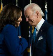 Vice presidentkandidat Kamala Harris och Joe Biden. Carolyn Kaster / TT NYHETSBYRÅN