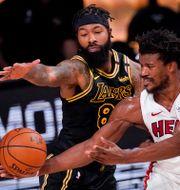 Lakers Markieff Morris och Miamis Jimmy Butler. Mark J. Terrill / TT NYHETSBYRÅN