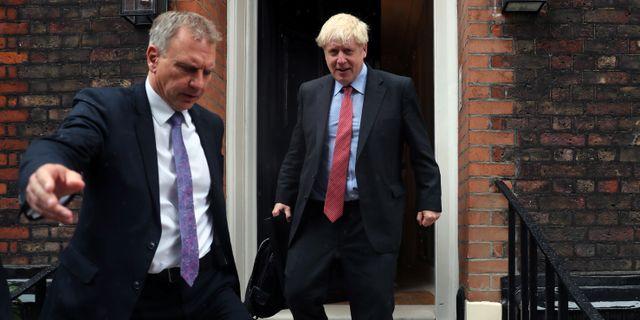 Boris Johnson till höger. SIMON DAWSON / TT NYHETSBYRÅN