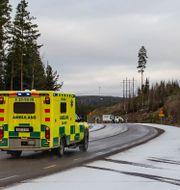Ambulans på väg till Garpenbergs gruva. Niklas Hagman/TT / TT NYHETSBYRÅN