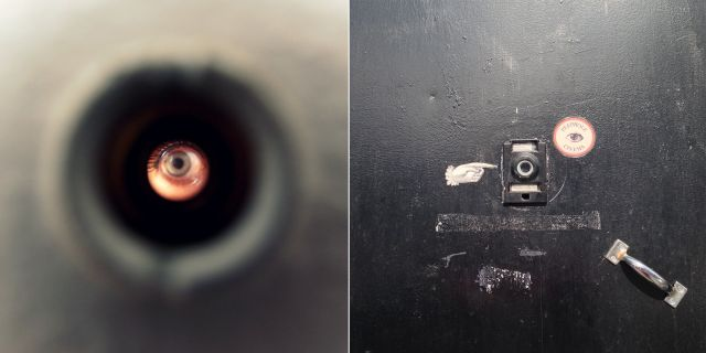 Peephole Cinema är en pyttebio som visar stumfilmer 24 timmar om dygnet. Wikicommons