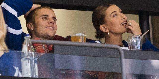 Justin Bieber och Hailey Bieber. Arkivbild. Chris Young / TT NYHETSBYRÅN