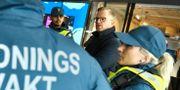 Inrikesminister Mikael Damberg (S) i november. Han samtalade med några ordningsvakter innan han presenterade ett 34-punktsprogram mot gängbrottslighet. Claudio Bresciani/TT / TT NYHETSBYRÅN