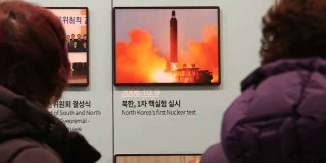 Ett foto på en av Nordkoreas uppskjutningar.  Ahn Young-joon / TT NYHETSBYRÅN